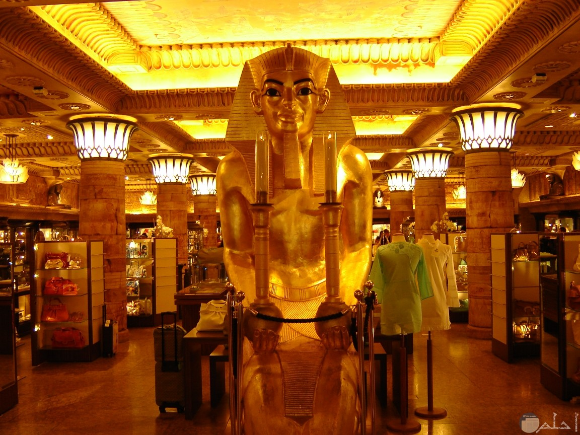 صورة تجمع عدة تماثيل فرعونية فى متحف خاص بهم.