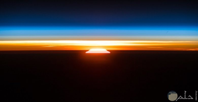 صورة لحظة شروق الشمس و جميل مظهرها.