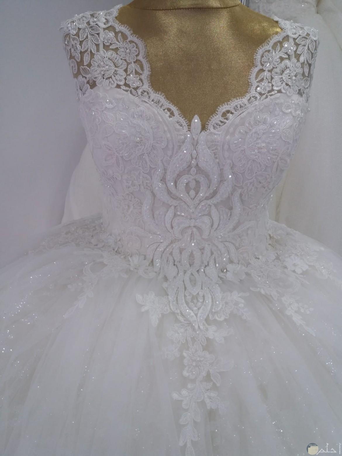 فستان مطرز رائع للعرس