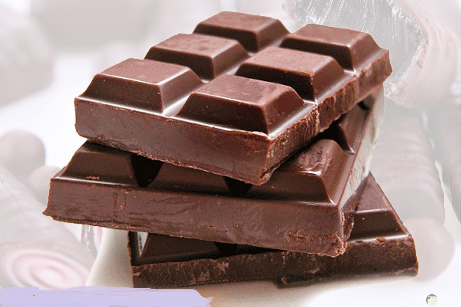 صورة مربعات شوكولاته متلاصقة.
