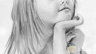 صورة مرسومة بالقلم الرصاص لبنت صغيرة تفكر.