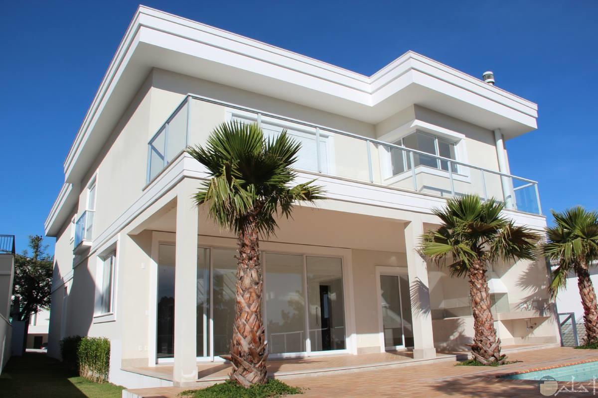 بيت جميل لونه ابيض
