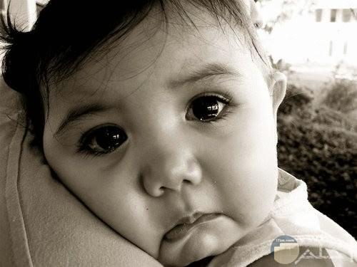 بنت صغيرة حزينة اوي