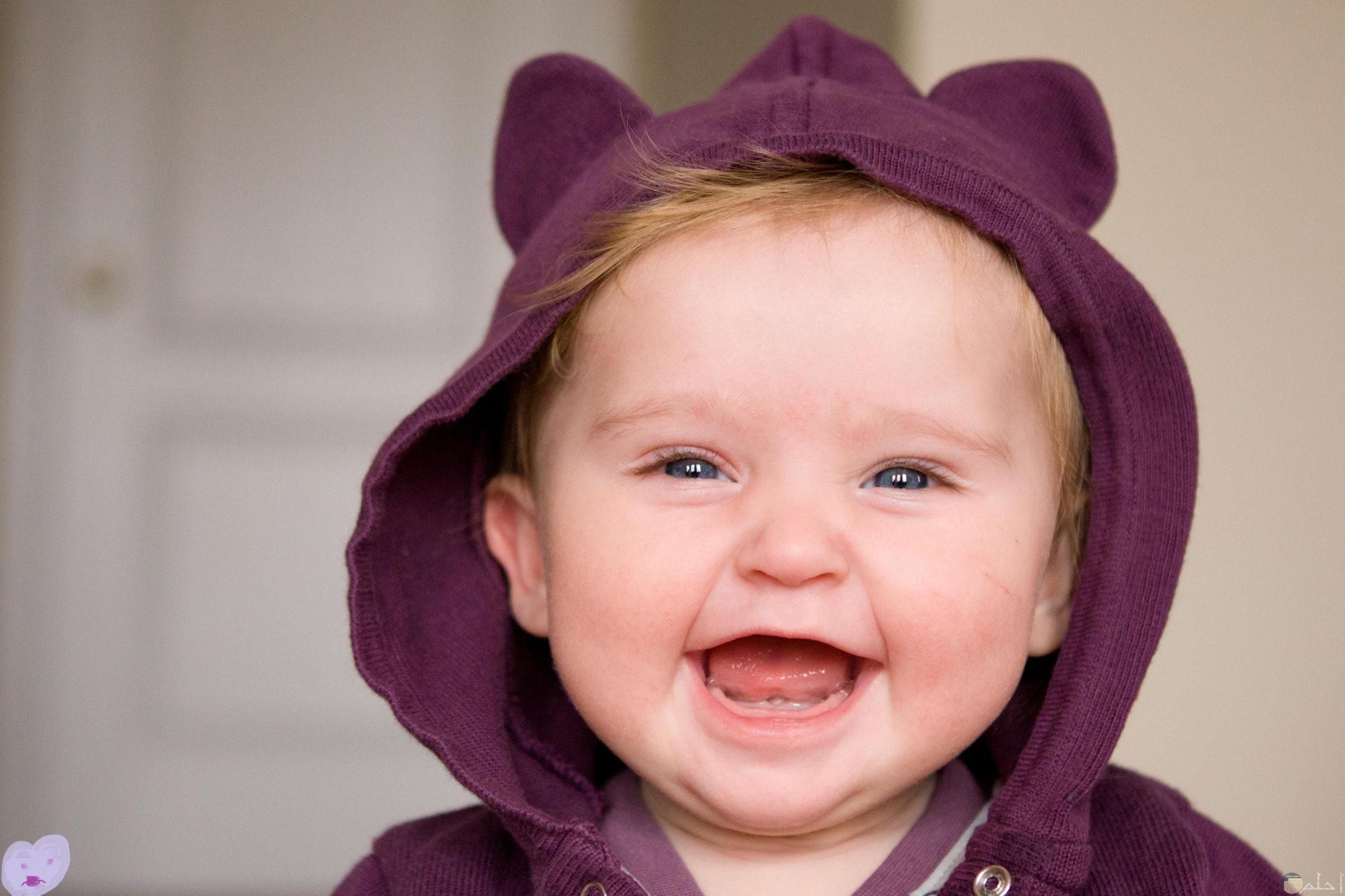 صورة ضحكة طفل روعة جداً.