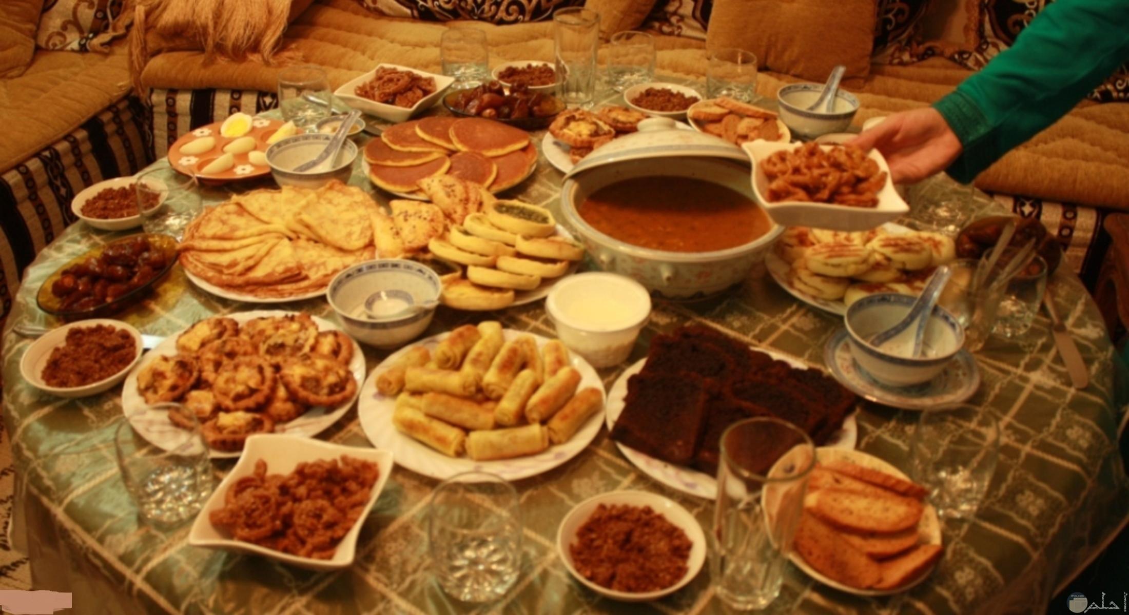تشكيلة متكاملة لإفطار رمضان.