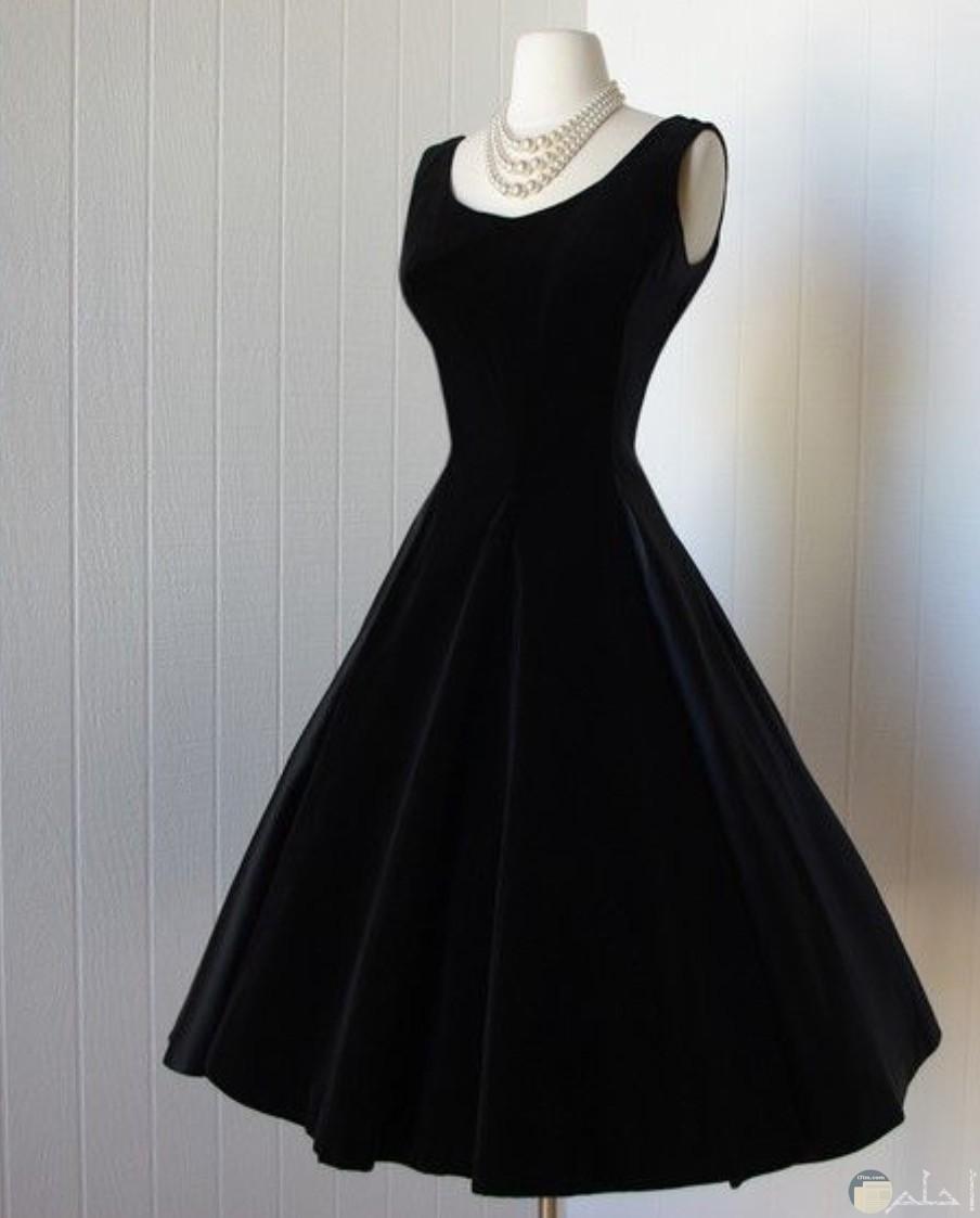 من اجمل الفساتين السوداء القصيرة