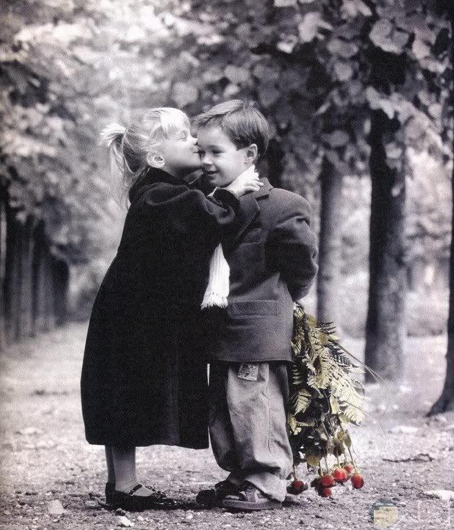 صورة رومانسية لولد وفتاه صغار