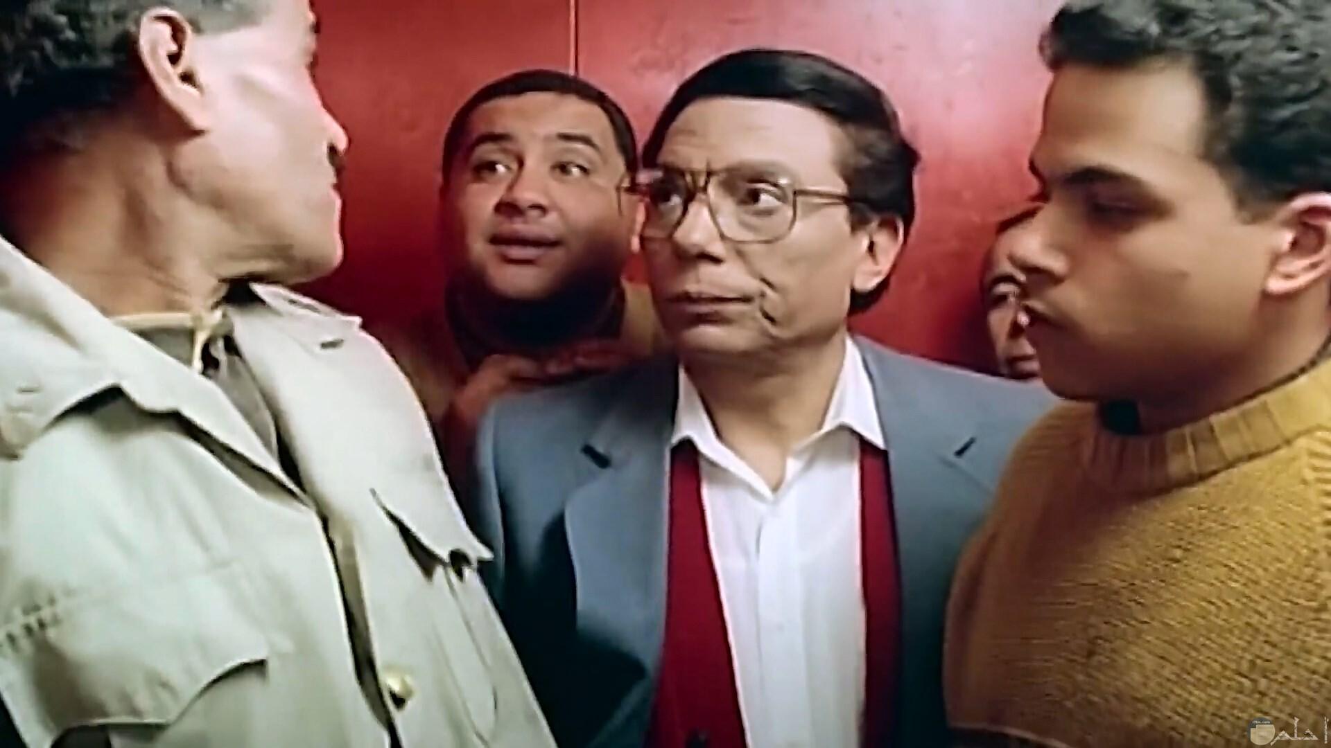 عادل إمام في الأسنسير.