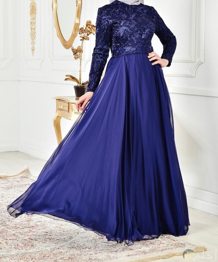 فستان رائع لونه ازرق